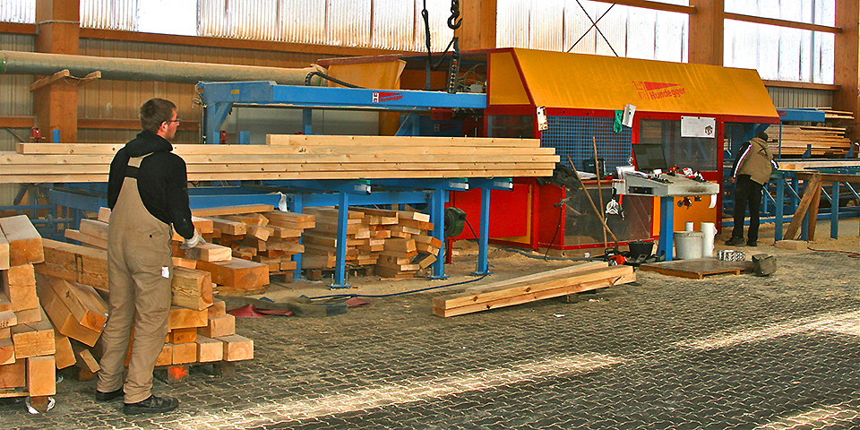 Holzhausbau heute mit moderner Abbundtechnik